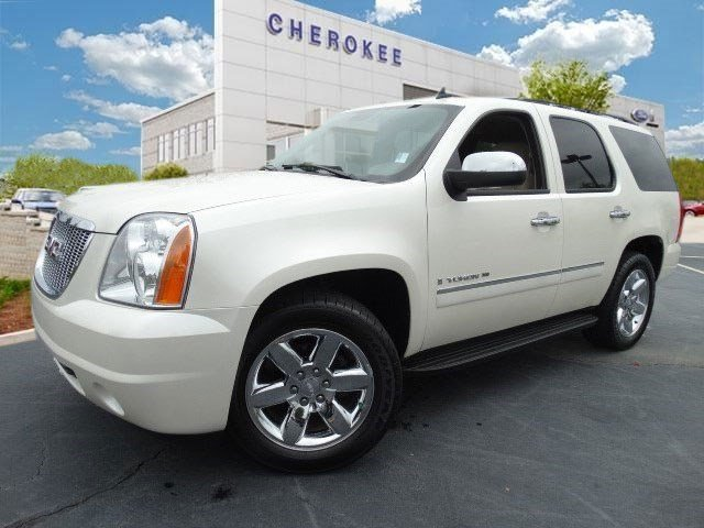 2009 GMC Yukon SLT w4SB Looking for a used car at an affordable price Step into the 2009 GMC Yuk