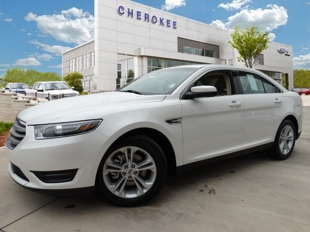 2015 Ford Taurus SEL Climb inside the 2015 Ford Taurus A great car and a great value Top feature