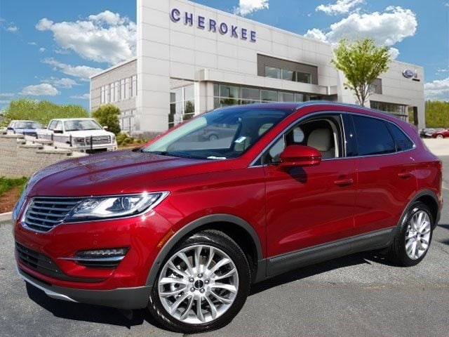 2015 Lincoln MKC NAVIGATION TECHNOLOGY PKG Outstanding design defines the 2015 Lincoln MKC Inject