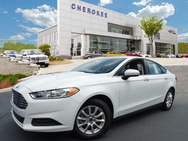 2016 Ford Fusion S Introducing the 2016 Ford Fusion Roomy comfortable and practical All of the