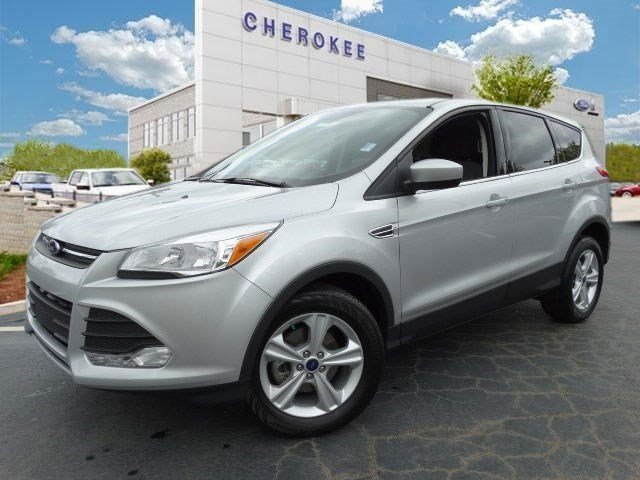 2015 Ford Escape SE Step into the 2015 Ford Escape Having been designed with performance style a