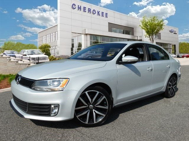 2012 Volkswagen Jetta Treat yourself to a test drive in the 2012 Volkswagen Jetta It delivers ple