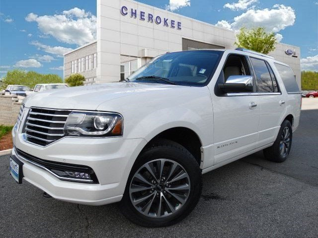 2015 Lincoln Navigator MOONROOF Discerning drivers will appreciate the 2015 Lincoln Navigator Off