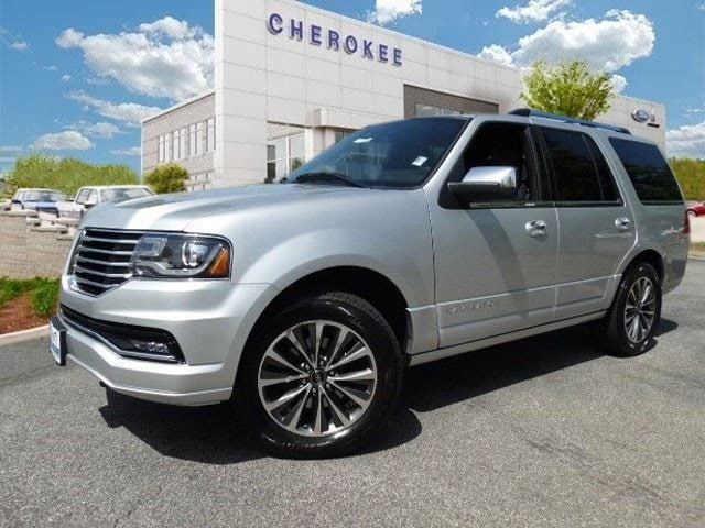 2015 Lincoln Navigator Outstanding design defines the 2015 Lincoln Navigator It delivers style an