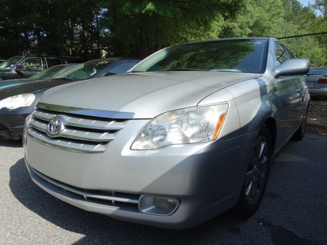 2005 Toyota Avalon XLS Heres a great deal on a 2005 Toyota Avalon Packed with features and truly