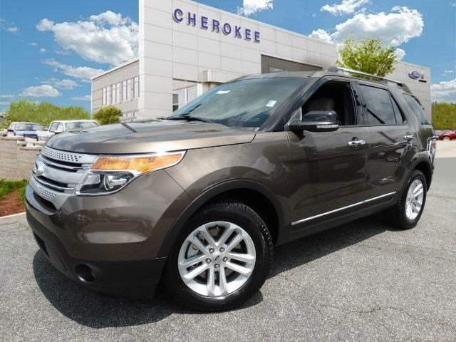 2015 Ford Explorer XLT Take command of the road in the 2015 Ford Explorer Both practical and styl