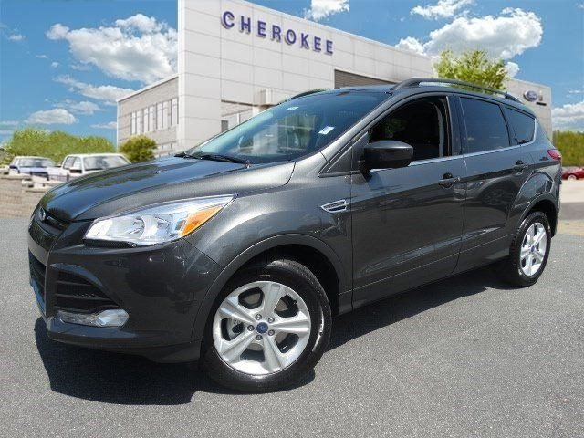 2015 Ford Escape SE Step into the 2015 Ford Escape It delivers plenty of power and excellent gas