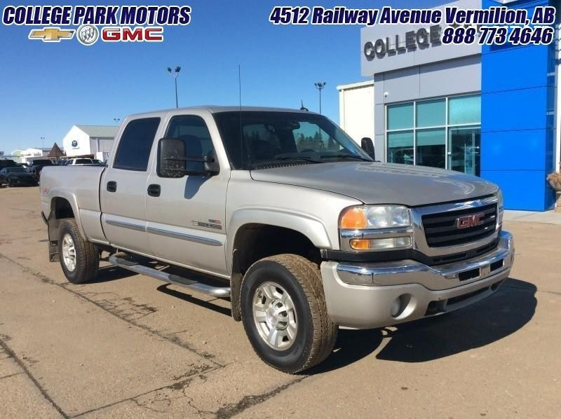 2004 GMC Sierra 2500HD SLT  165k on NEW Duramax Engine Crew Cab