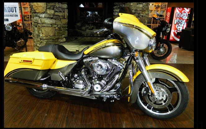 Harley Street Glide Yellow