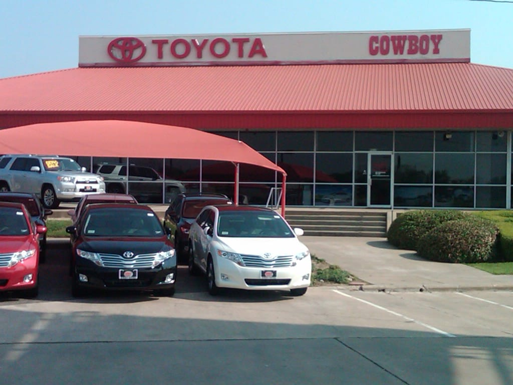 Toyota Matrix Oil Change Cowboy Toyota in Dallas | New Toyota and Used Car Dealership