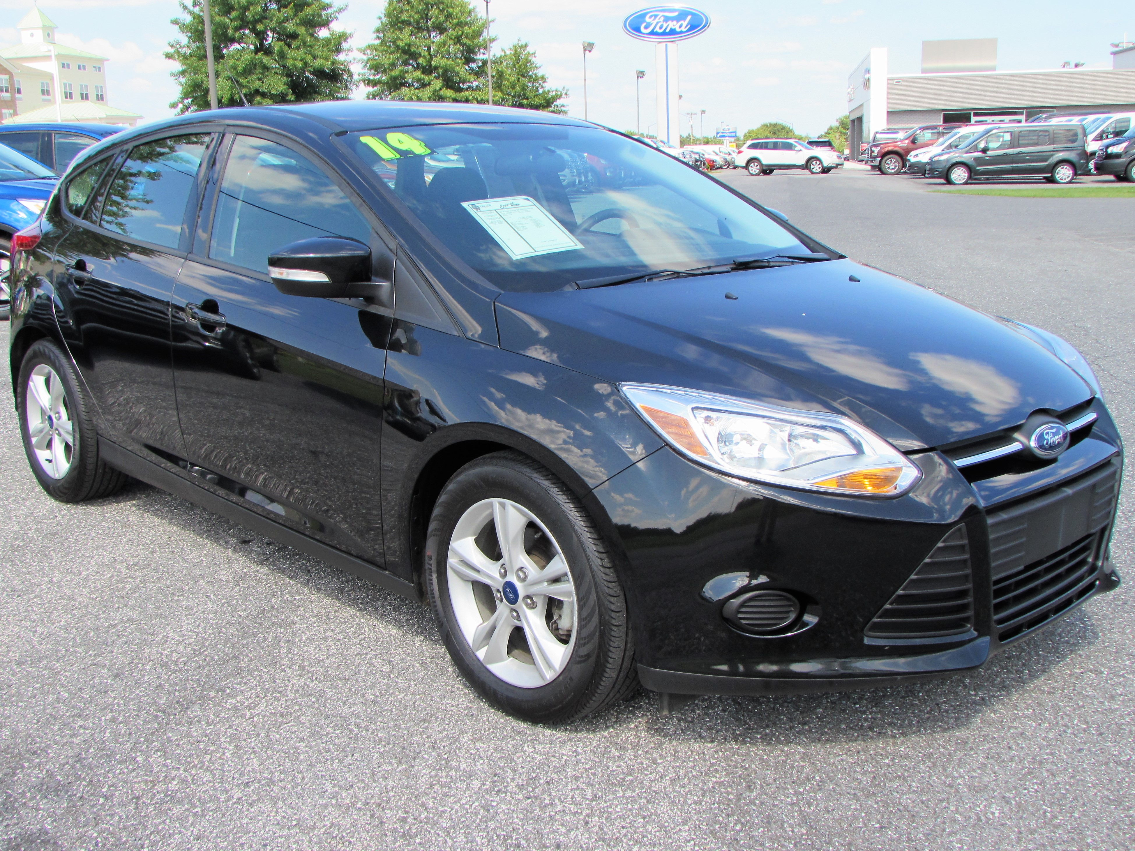 2014 Ford Focus SE Hatchback & Taneytown Crouse Ford Sales | New u0026 Used Ford Cars markmcfarlin.com