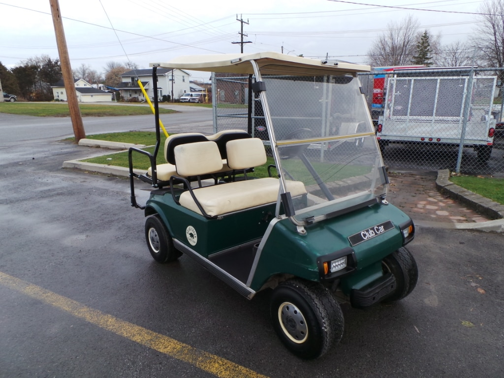 1996 CLUB CAR DS 4 PASSENGER -GAS GOLF CART