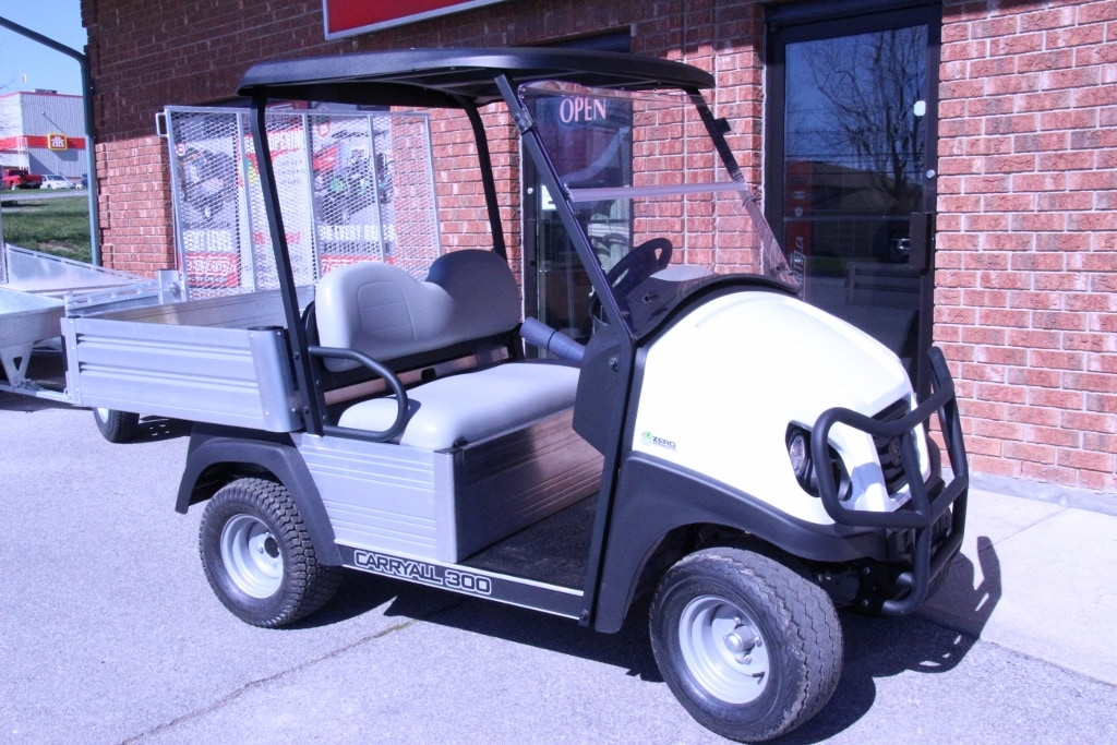 2016 CLUB CAR Carryall  300 48VOLT - ELECTRIC