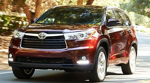 2015 toyota highlander vs nissan pathfinder dayton toyota. Black Bedroom Furniture Sets. Home Design Ideas