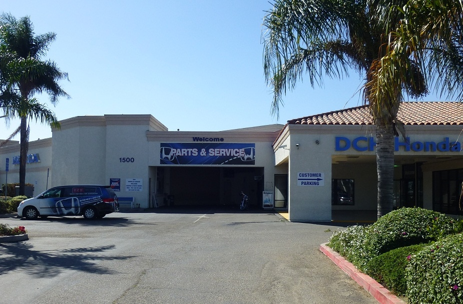 Parts and Service entrance at DCH Honda of Oxnard