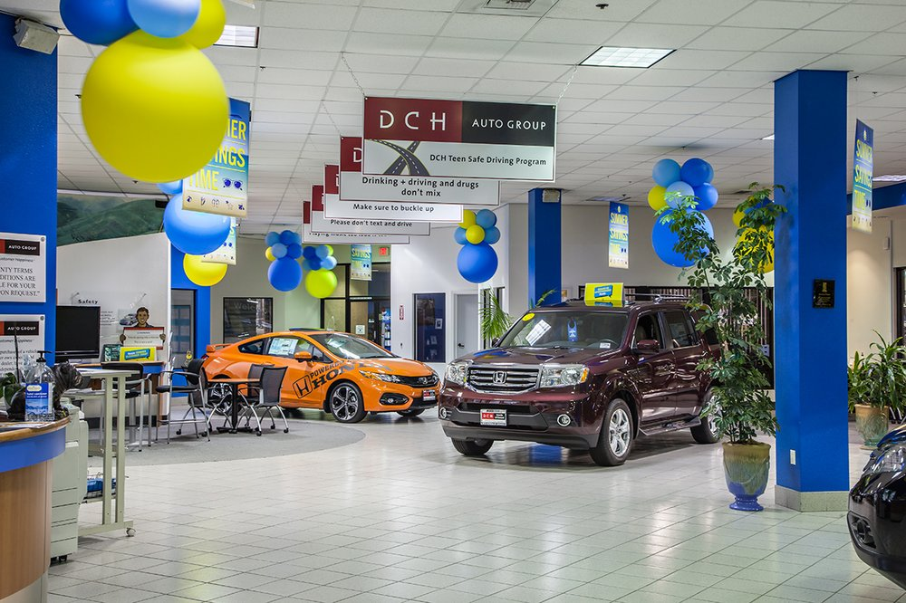 DCH Honda of Oxnard showroom interior