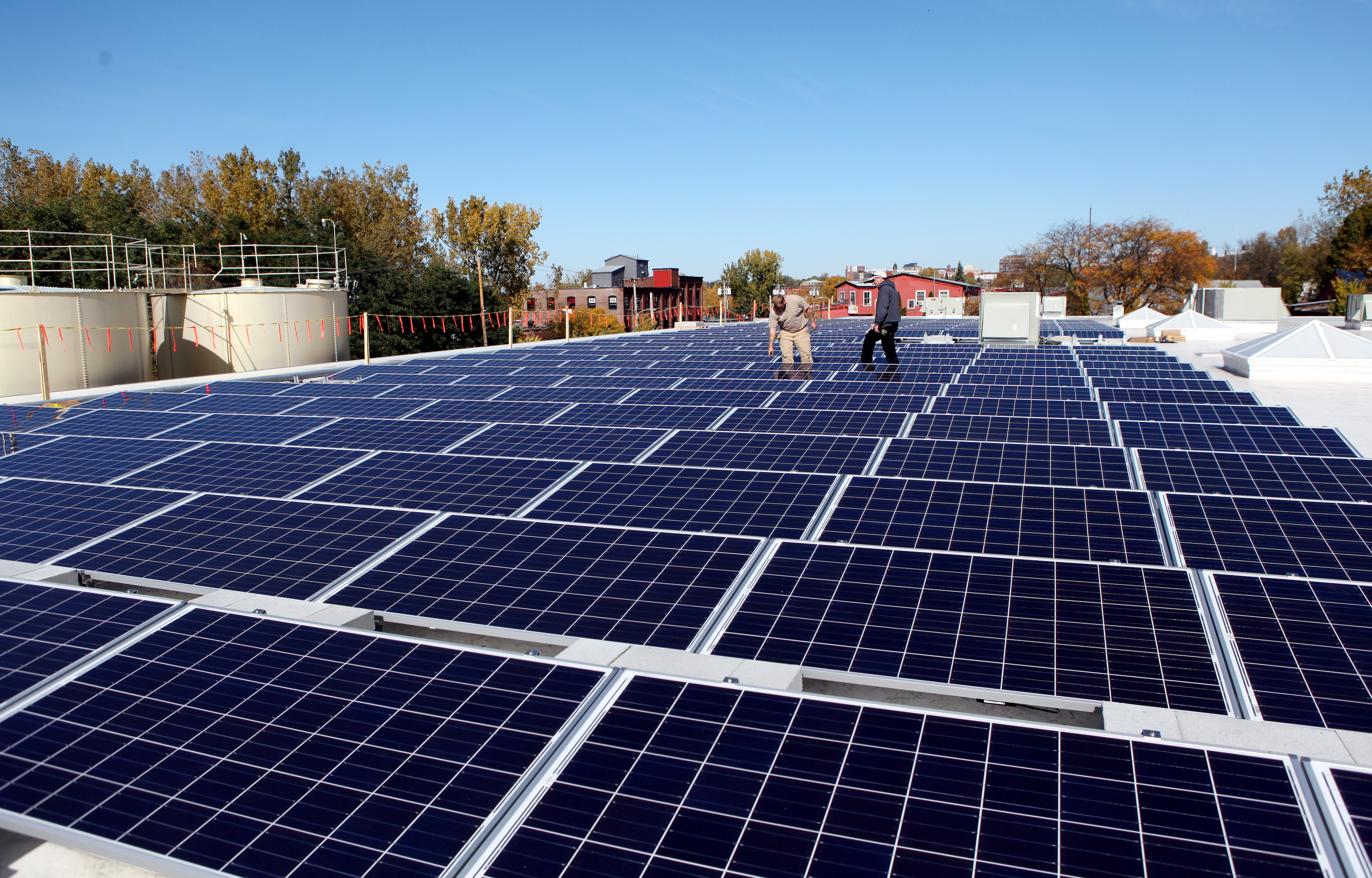 photovoltaic array using golden section search A new maximum power point tracking method for photovoltaic arrays using golden section search algorithm riming shao  golden section search, photovoltaic array.