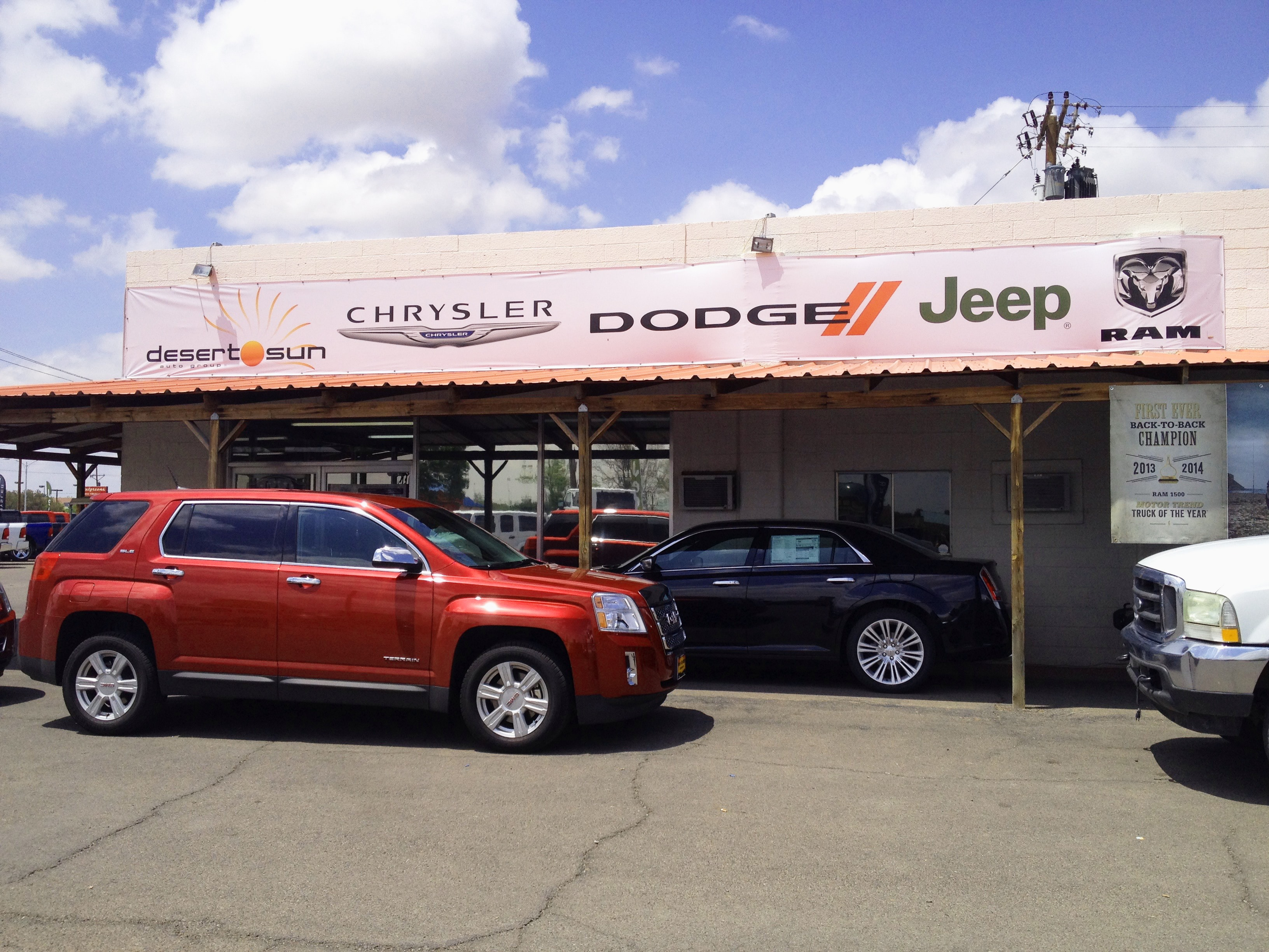 Ford Town Carlsbad Nm >> New Used Chrysler Dodge Jeep Ram Dealership In Roswell Nm