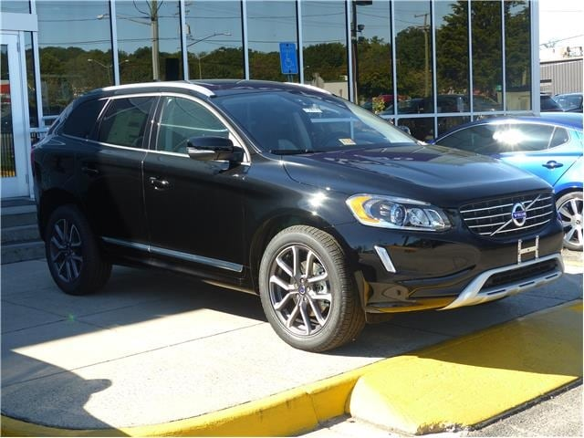New 2017 Volvo XC60 T6 AWD Dynamic SUV for sale in Alexandria, VA at Don Beyer Volvo
