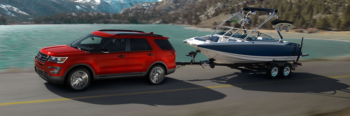 2017 Ford Explorer towing a boat