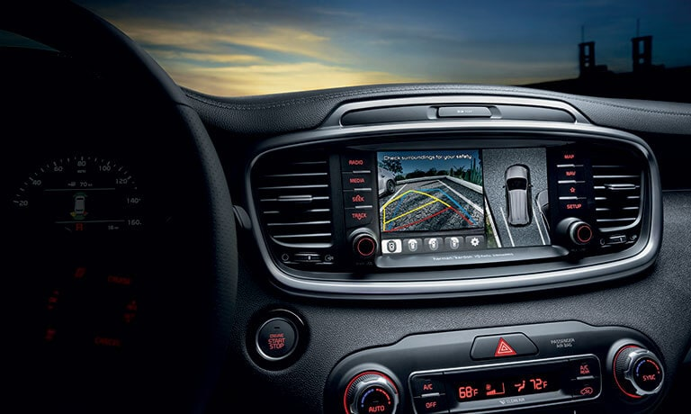 Kia Sorento dashboard and infotainment