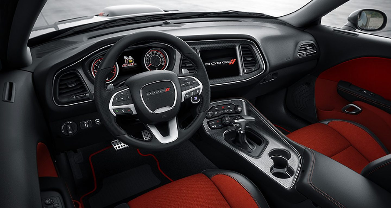 2017 Dodge Challenger Interior Connectivity