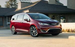 Honda Odyssey Vs Toyota Sienna >> Chrysler Pacifica Vs Honda Odyssey Vs Toyota Sienna Fletcher Cdjr