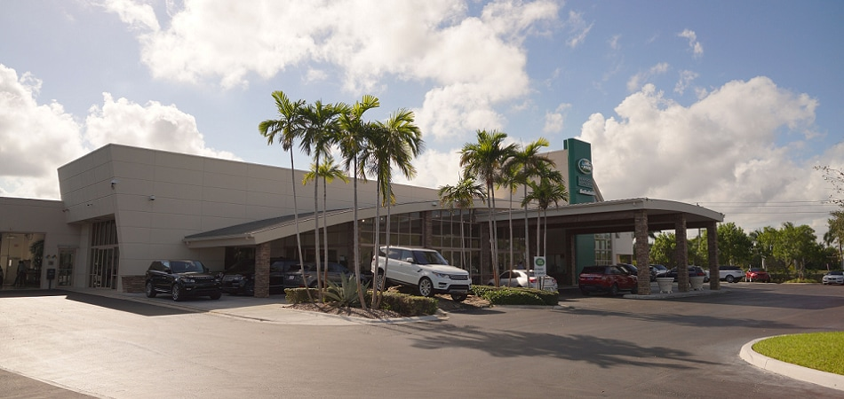 Exterior view of Land Rover Fort Lauderdale Serving Boca Raton