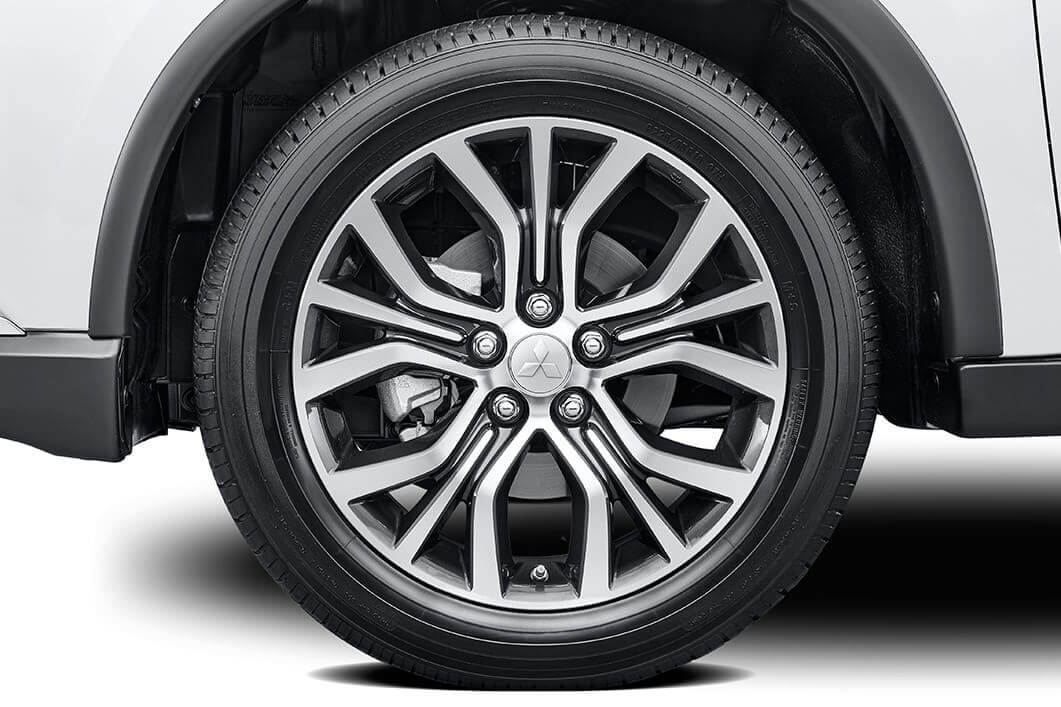 2017 Mitsubishi Outlander 18in alloy wheels