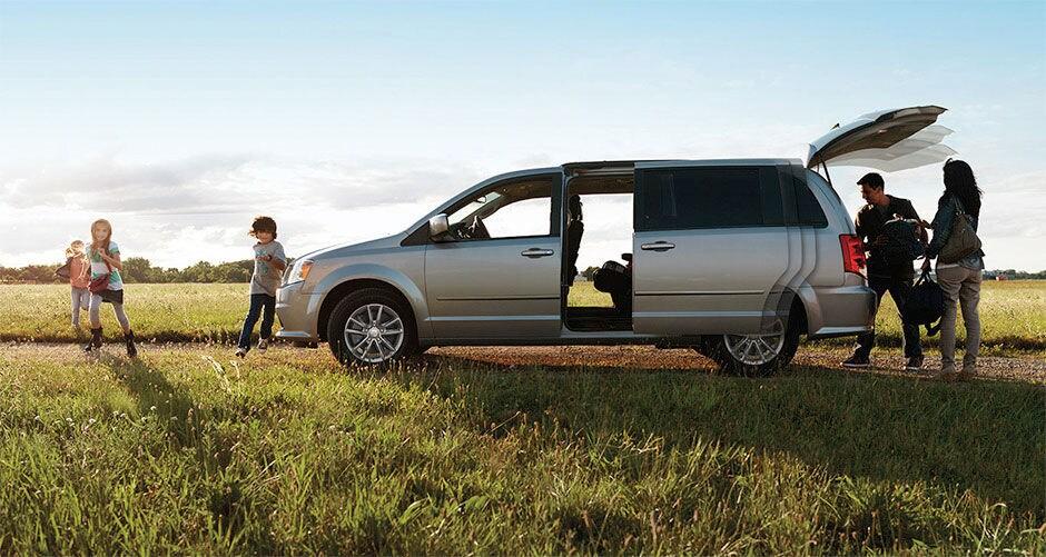 Dodge grand caravan vs chrysler town country freehold for Freehold motor vehicle agency