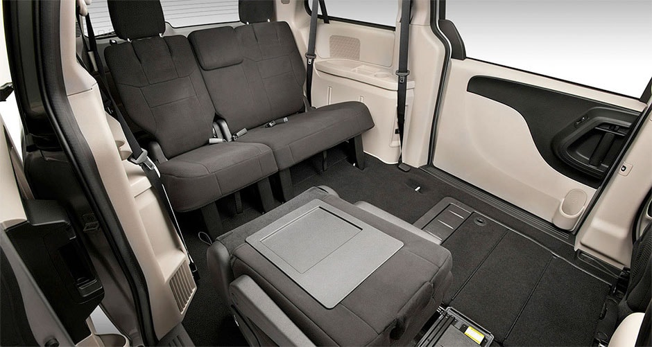 2015 Dodge Grand Caravan Vs Nissan Quest Freehold Dodge