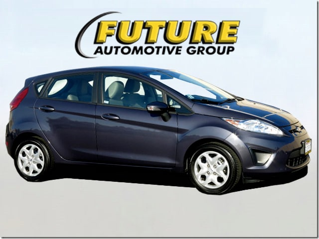 Pre-Owned 2013 Ford Fiesta SE Front-wheel Drive Hatchback