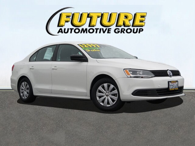 Pre-Owned 2014 Volkswagen Jetta 2.0L S Front-wheel Drive Sedan