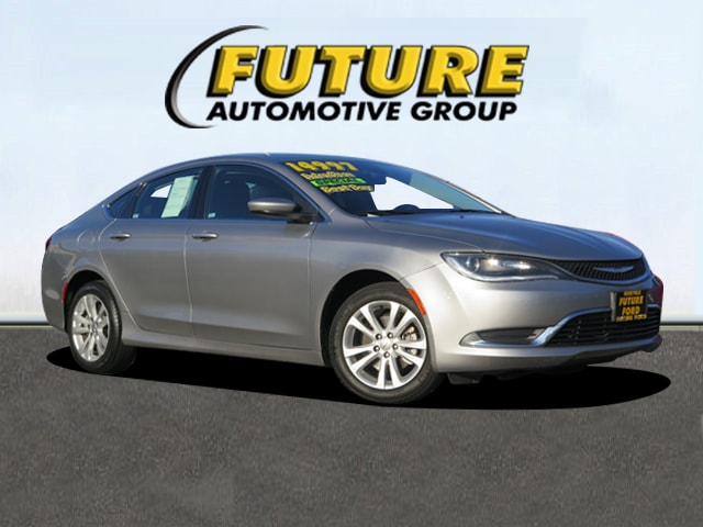 Pre-Owned 2015 Chrysler 200 Limited Front-wheel Drive Sedan