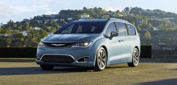 Huntington Beach area 2017 Chrysler Pacifica dealership