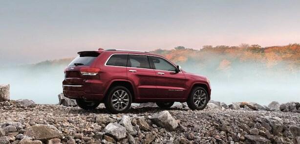 2017 Jeep Grand Cherokee Vs Wrangler Unlimited Huntington Beach