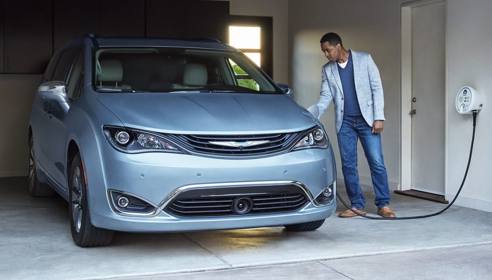 2017 Chrysler Pacifica Hybrid Front View Charging