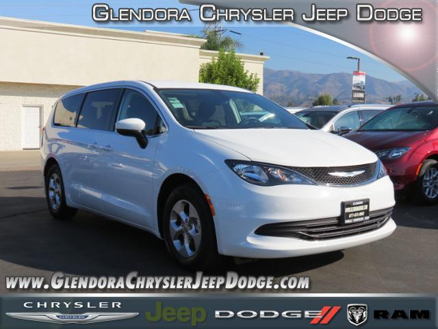 2017 Chrysler Pacifica LX This Chrysler wont be on the lot long Demonstrating that economical tr