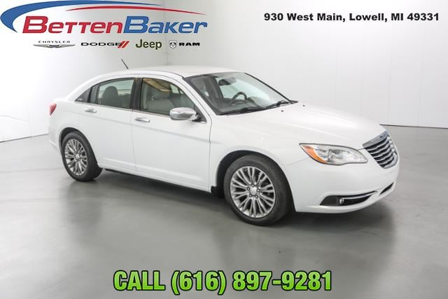 2012 Chrysler 200 4dr Sdn Limited Car