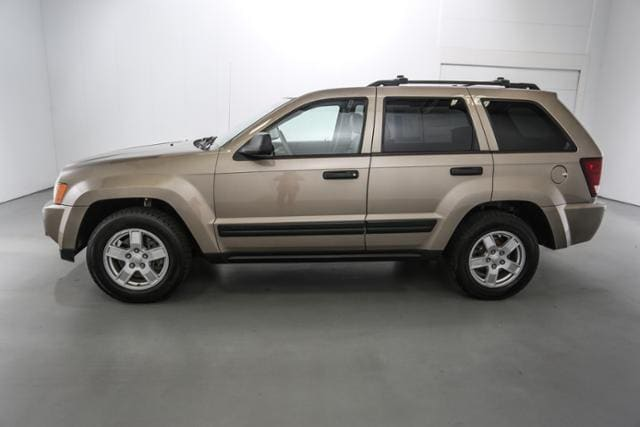 used 2005 jeep grand cherokee 4dr laredo 4wd for sale lowell mi. Black Bedroom Furniture Sets. Home Design Ideas