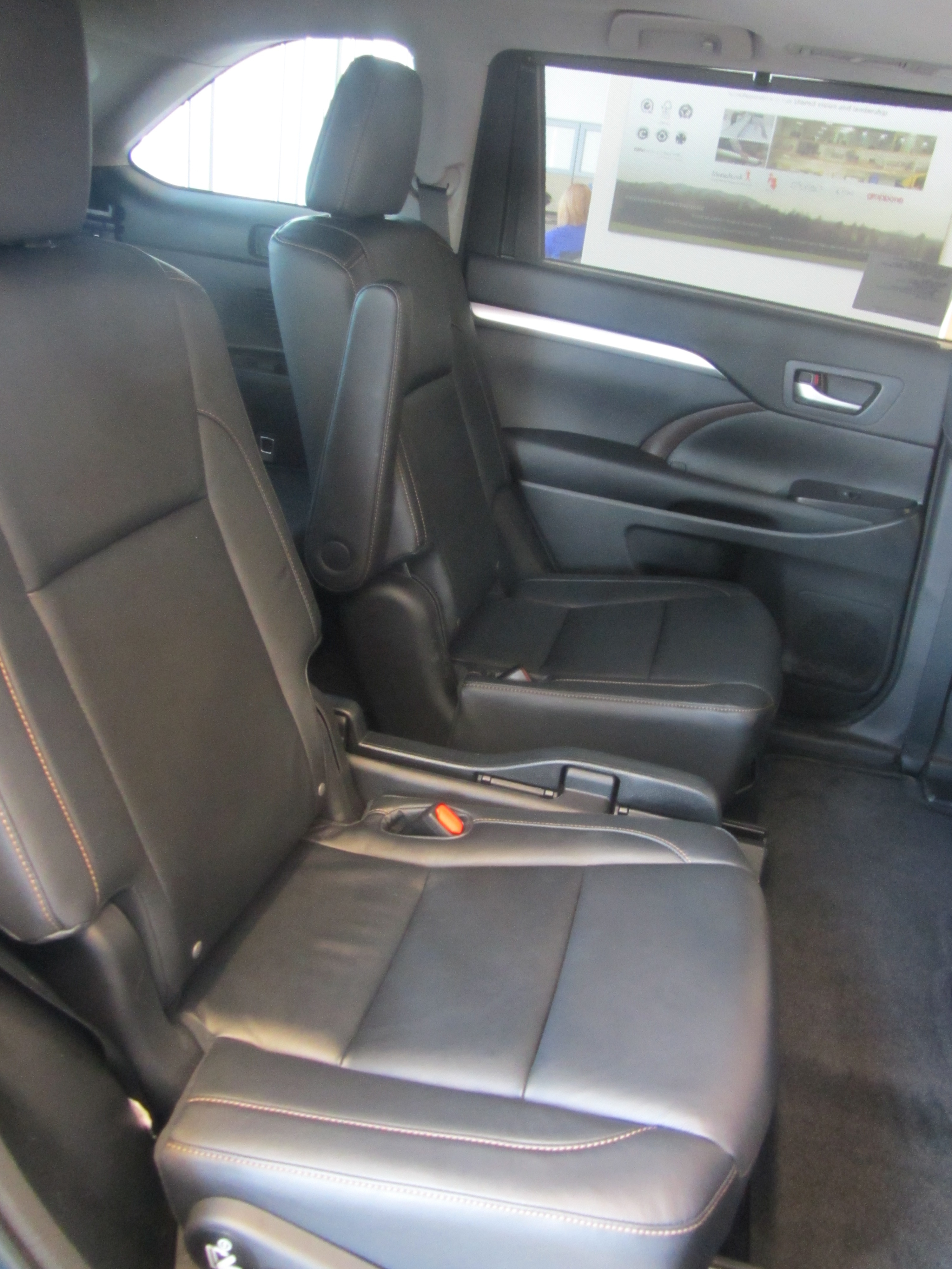 new toyota highlander in bow grappone toyota. Black Bedroom Furniture Sets. Home Design Ideas