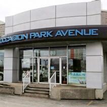 Méga Centre Park Avenue Laval, Façade