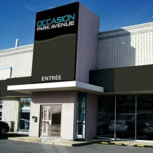 Le M�ga Centre OccasionParkAvenue, fa�ade.