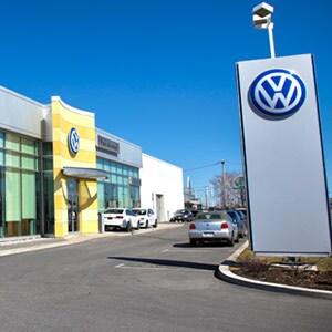 Park Avenue Volkswagen, fa�ade.