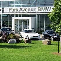 Park Avenue BMW, Fa�ade du b�timent.