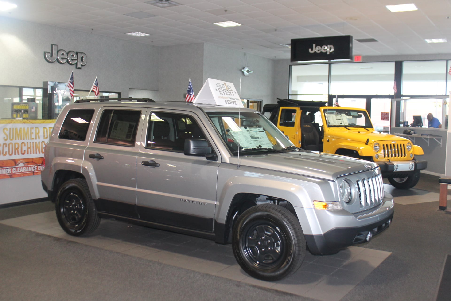 country 300 200 showroom in fayetteville hendrick chrysler jeep. Cars Review. Best American Auto & Cars Review