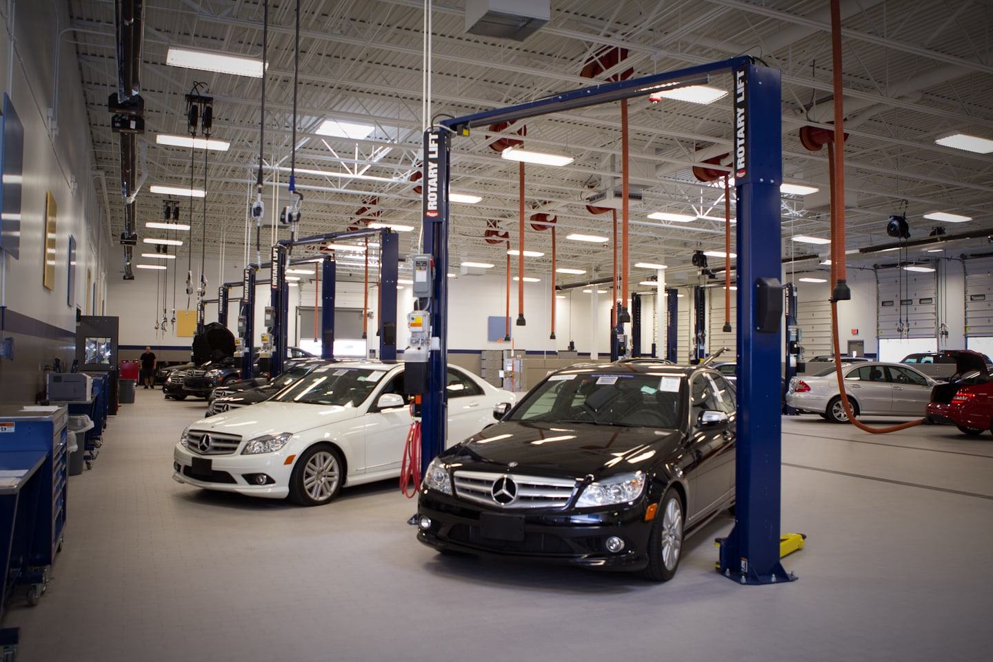 Mercedes benz service repair mercedes of northlake in for Mercedes benz service department