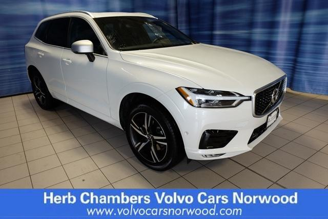 Pre-Owned 2018 Volvo XC60 R-Design