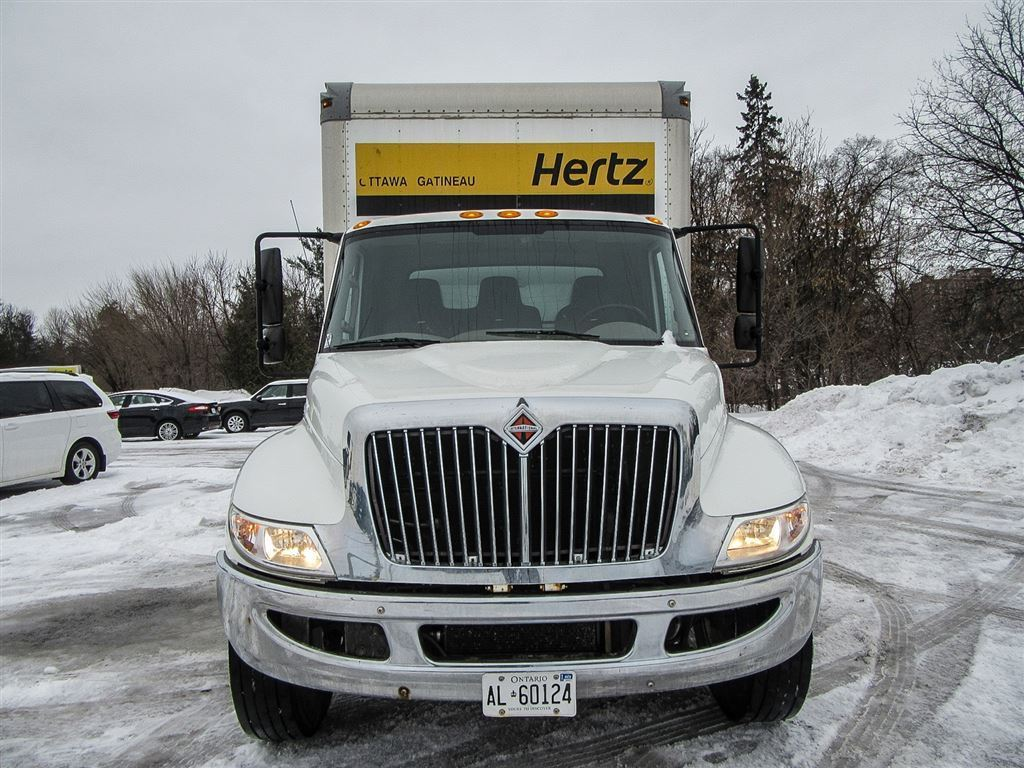 2013 INTERNATIONAL 4300 M7 Durastar Diesel,24 Ft. Box, Automatic,Air