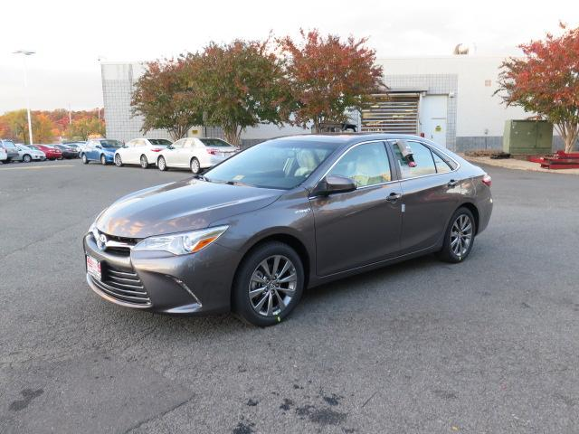 New 2016 Toyota Camry, $34379
